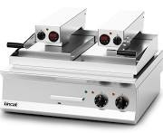 Lincat OE8210R Opus 800 Clam Griddle with Flat Bottom & Ribbed Top Steel Plates